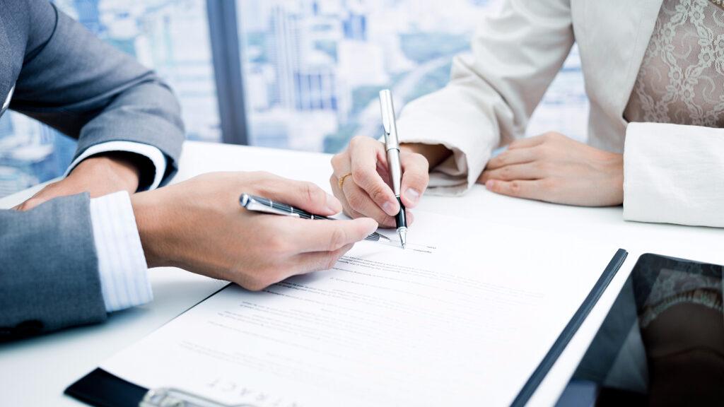Trámites frecuentes para resolver papeleo burocrático